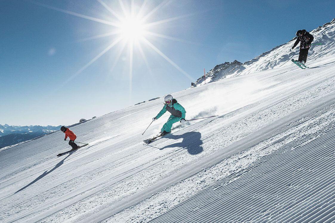 Ski und Spass bei der Sunday Skitagesfahrtnach Laax